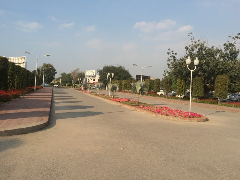 10 Marla House for sale in Lahore Model Town - Block L